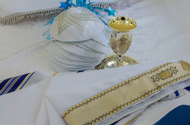 Bar mitzhvah simbolo religioso ebraico scialle da preghiera - tallit, simbolo religioso ebraico
