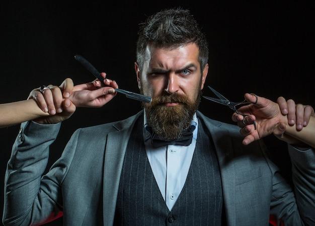 Barbershop baffi uomo barbuto ritratto di hipster caucasico barbuto hipster