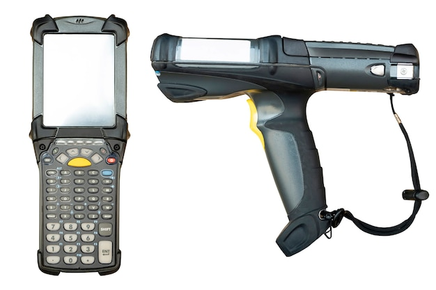 Scanner di codici a barre isolato su sfondo bianco strumenti di lavoro del computer per la gestione dell'inventario del magazzino
