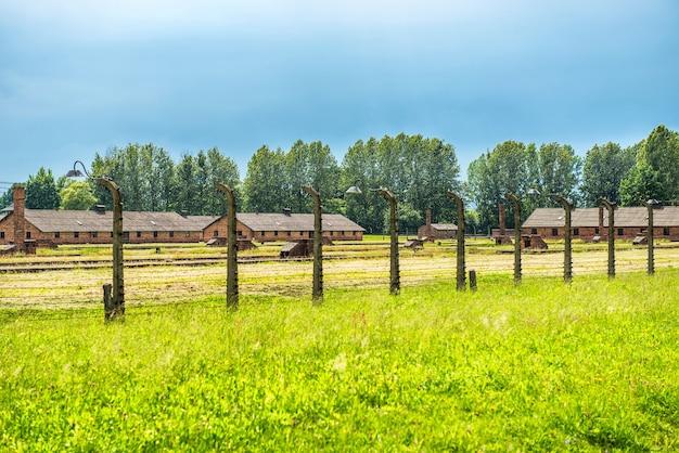 Caserma nell'ex campo di concentramento nazista birkenau, oswiecim, polonia