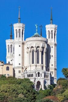 Basilica di notre dame de fourviere nel centro storico di lione