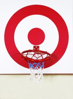 Palla da basket e bersaglio da tiro