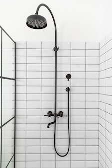 Interior design del bagno con doccia