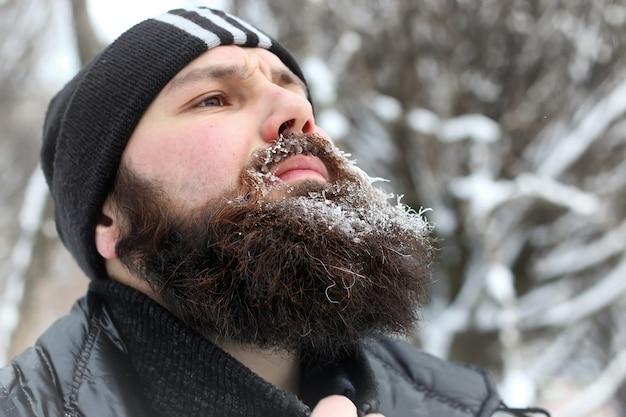 Cappello uomo barbuto inverno