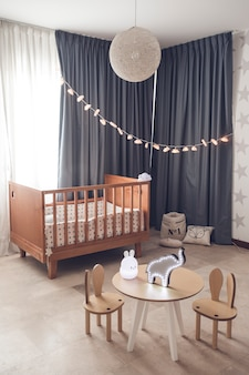 Bellissima camera beige per bambini