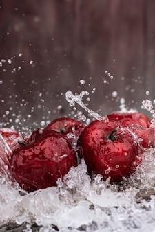 Bellissimo sfondo mele rosse