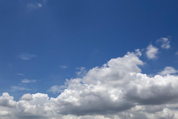 Bel cielo blu