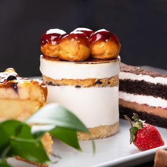Belle torte al cioccolato, dessert da vicino