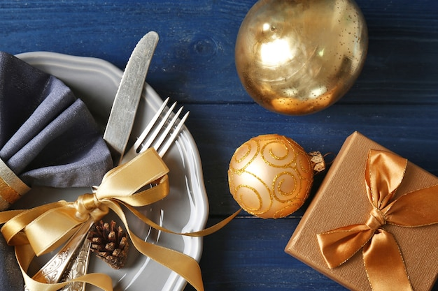 Splendida tavola di natale con decorazioni
