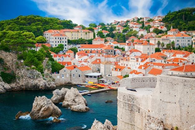 Bella vista accogliente della parte della città vecchia di dubrovnik, croazia