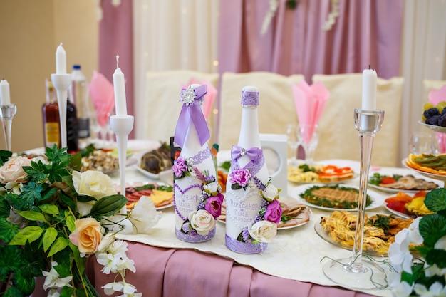 Bellissimo arredamento nel giorno del matrimonio