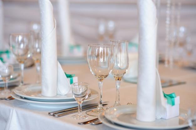 Bellissima la decorazione del tavolo per il matrimonio.