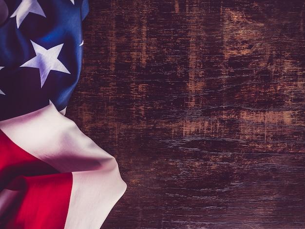 Bellissimo disegno della bandiera americana. avvicinamento