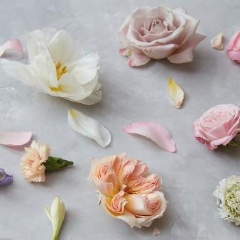 Bellissimi fiori per biglietto di auguri o decorazioni per matrimoni