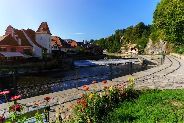 Bellissimo storico cesky krumlov , designato patrimonio mondiale dell'unesco al mattino , repubblica ceca