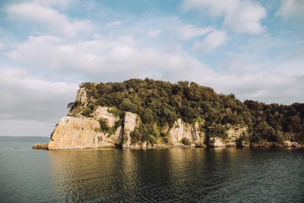 Bellissima isola bellissima vista dell'isola in italia