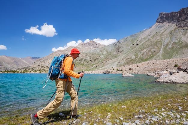 Bellissimo paesaggio delle montagne fann, tagikistan