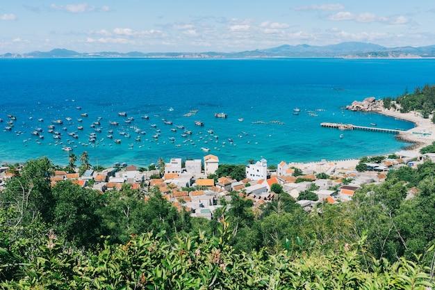 Bellissimo paesaggio dell'isola tropicale