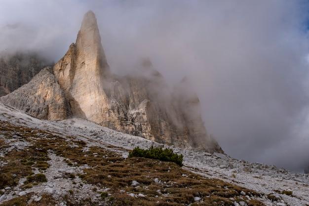 Bella vista del paesaggio al rifugio auronzo dolomiti italia.