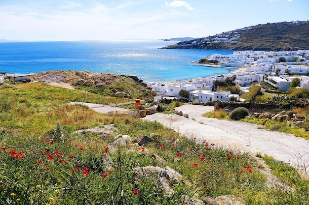 Splendidi paesaggi vista del famoso punto di riferimento della città di mykonos in grecia in estate.