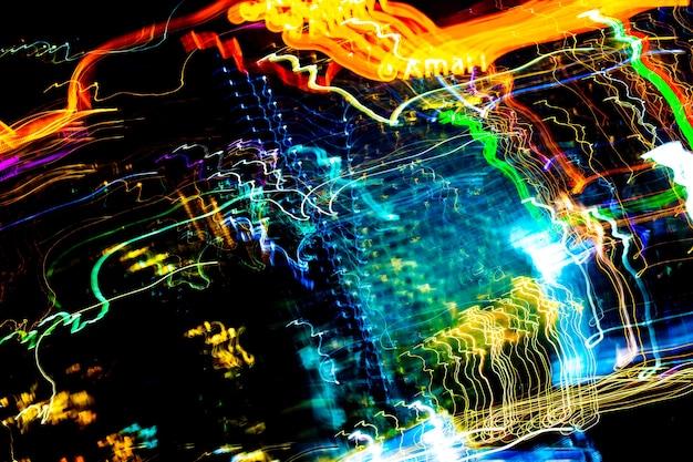 Bella illuminazione di notte futuristico linea led edificio astratto