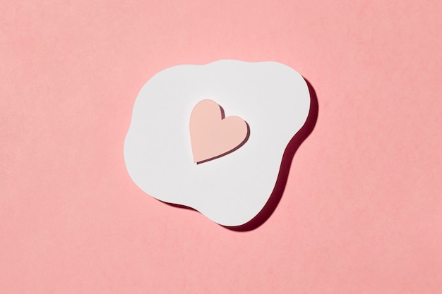 Bella disposizione d'amore sul rosa