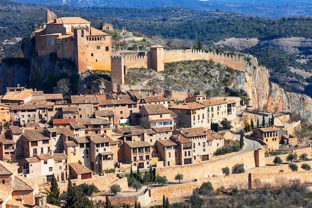 Bellissimo borgo medievale nelle montagne aragonesi