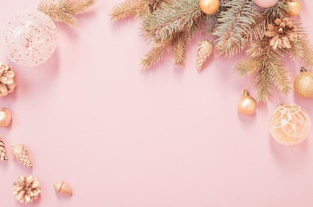 Bellissimo sfondo di natale moderno nei colori oro e rosa