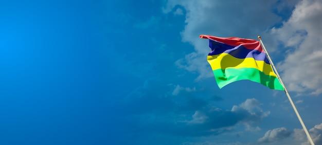 Bella bandiera nazionale dello stato di mauritius con uno spazio vuoto su sfondo ampio
