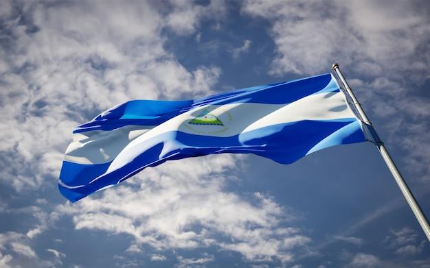 Bella bandiera nazionale dello stato del nicaragua svolazzanti