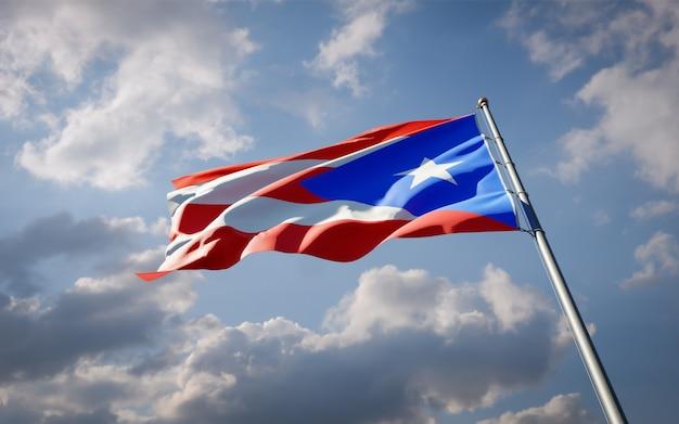 Bella bandiera nazionale dello stato di porto rico che fluttua