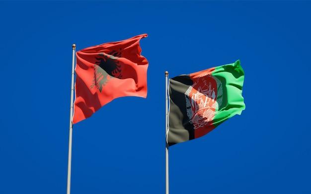 Belle bandiere di stato nazionali dell'afghanistan e dell'albania