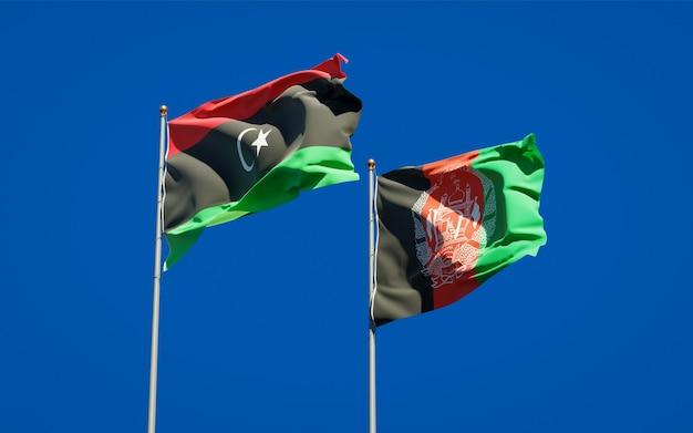 Belle bandiere di stato nazionali dell'afghanistan e della libia