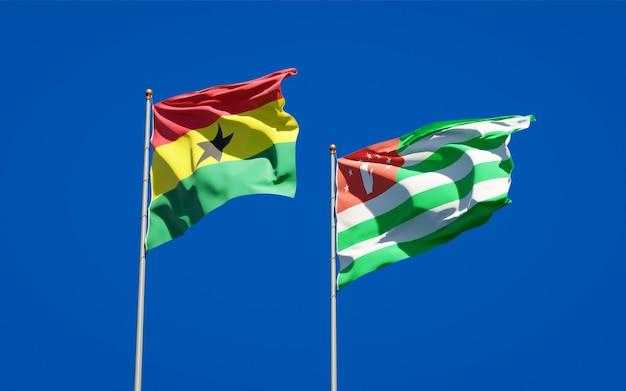 Belle bandiere di stato nazionali del ghana e dell'abkhazia insieme
