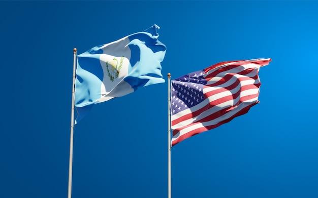 Belle bandiere nazionali dello stato del guatemala e stati uniti d'america insieme