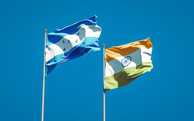 Belle bandiere nazionali dello stato di honduras e india insieme