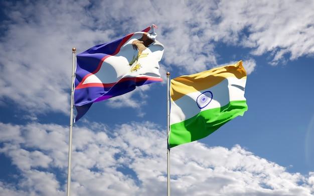 Belle bandiere di stato nazionali dell'india e delle samoa americane insieme