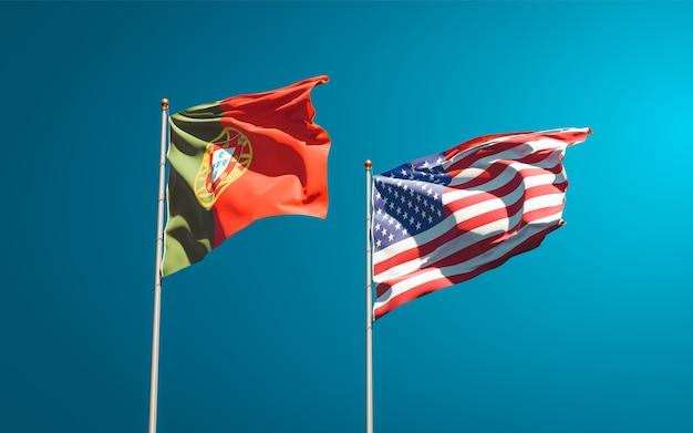 Belle bandiere dello stato nazionale del portogallo e degli stati uniti insieme