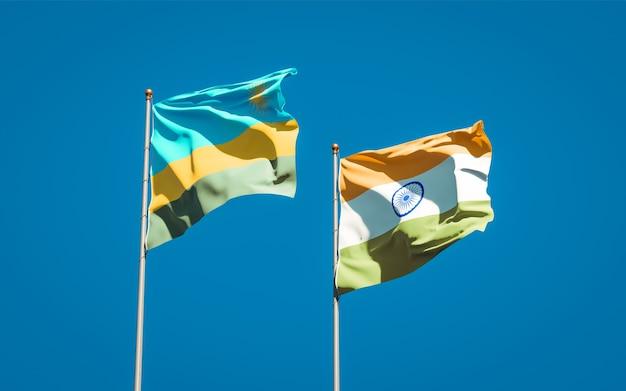 Belle bandiere nazionali dello stato del ruanda e dell'india insieme