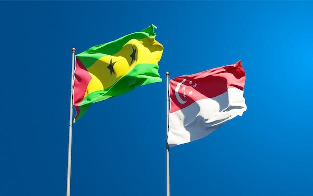 Belle bandiere di stato nazionali di sao tome e principe e singapore insieme