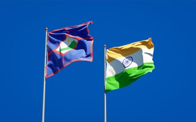 Belle bandiere nazionali dello stato di sint eustatius e india insieme