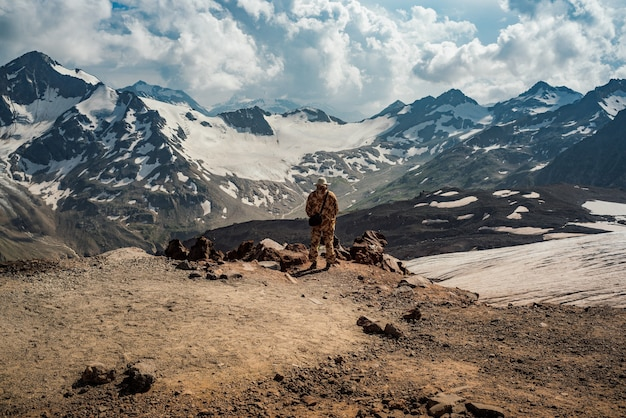 Bellissimo paesaggio naturale delle montagne