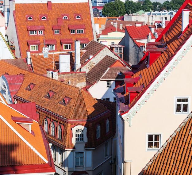 Bella città vecchia di tallinn in estonia