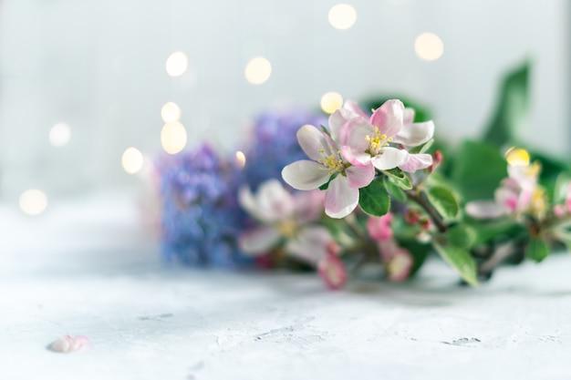 Bellissimi fiori rosa e lilla