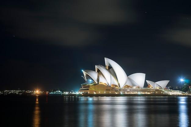Bella vista scenica del punto di riferimento del teatro dell'opera di sydney dell'australia