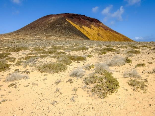 Bellissimo scatto di un paesaggio in una giornata di sole a tenerife, isole canarie, spagna