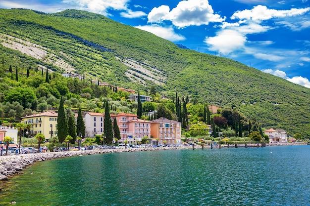 Bella soleggiata città di torbole waterfront, lago di garda,regione trentino alto adige, italy