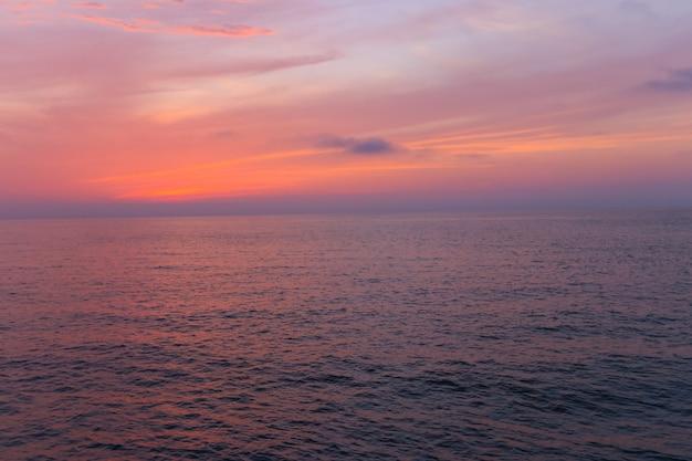 Bellissimo tramonto sul mar nero