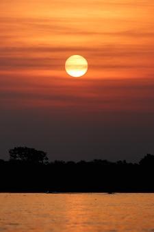 Bel tramonto nel pantanal settentrionale