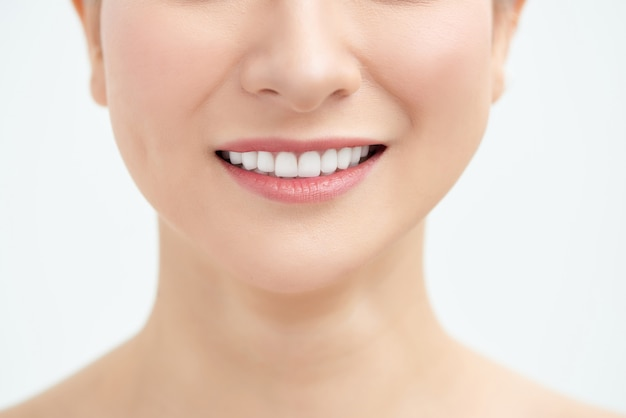 Bel sorriso a trentadue denti, da vicino